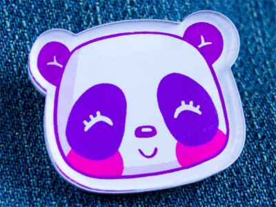 Брошь из оргстекла с яркой печатью «Панда» от MARKOV design в анимированном стиле
