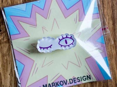 Брошь с яркой печатью «Глаза» от MARKOV design в анимированном стиле