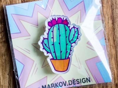 Брошь с яркой печатью «Кактус» от MARKOV design в анимированном стиле