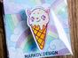 Брошка из оргстекла с яркой печатью «Котик-мороженое» от MARKOV design в анимированном стиле