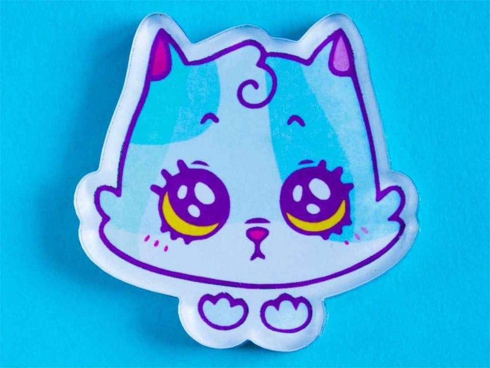 Значок с яркой печатью «Котик» от MARKOV design в анимированном стиле