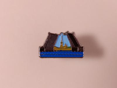 Значок металлический с эмалью «Дворцовый мост»