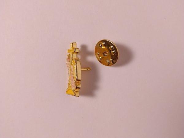 Значок металлический с эмалью «Бутылка»