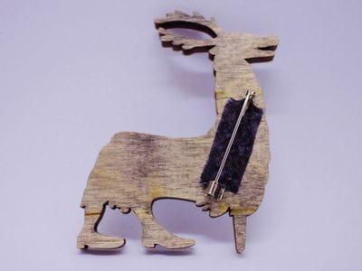 Брошка из дерева ручная покраска «Человек-олень» от Билла Трейлора hand made
