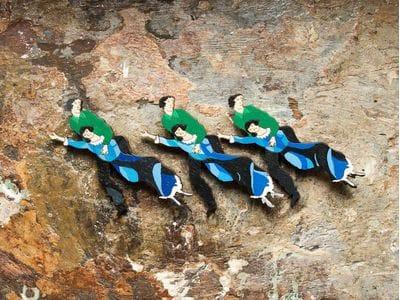 Брошка из дерева ручная покраска «Летящие» от Билла Трейлора hand made
