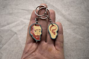 Брелок деревянный, парный «Ван Гог и ухо», Waf Waf