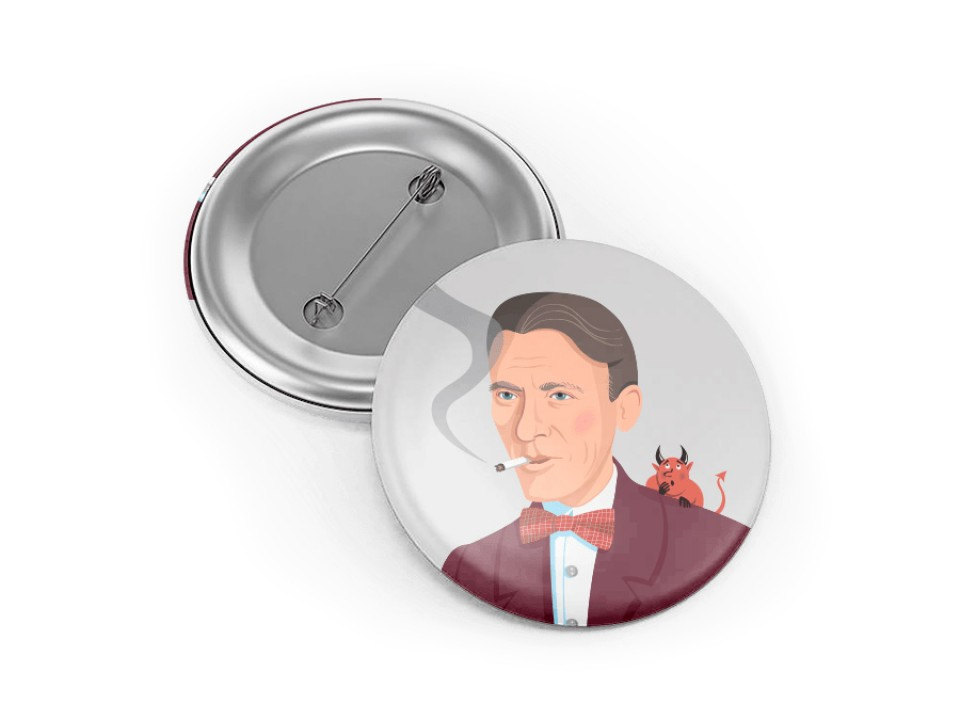 Круглый металлический значок с иллюстрацией Булгакова