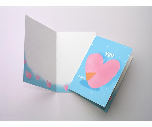 Открытка поздравительная с цветным разворотом и покрытием софт тач, кусочек пирога