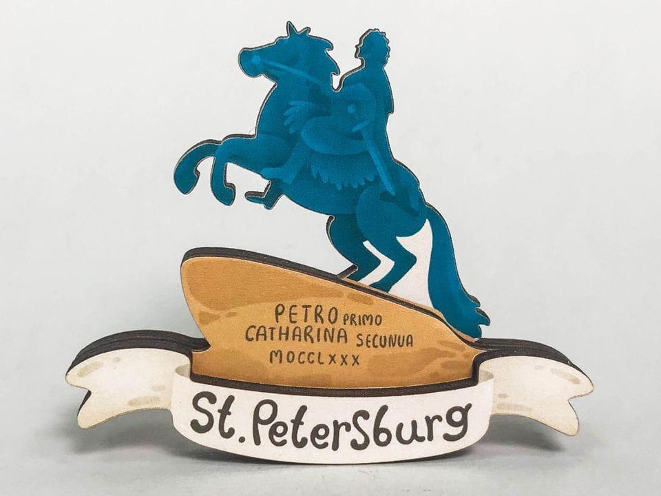 Сувенирный магнит на холодильник из дерева с 3D эффектом «Медный всадник». Санкт-Петербург