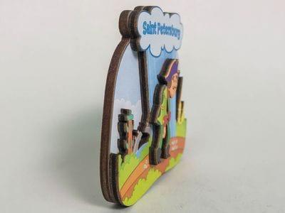 Магнит на холодильник 3D из дерева «Петр I. Идет под дождем», объемный