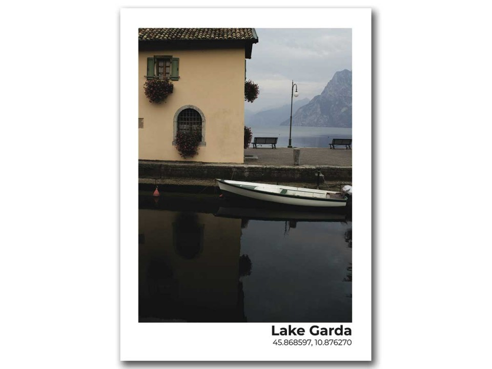 Авторская фото открытка. Домик на озере Гарда