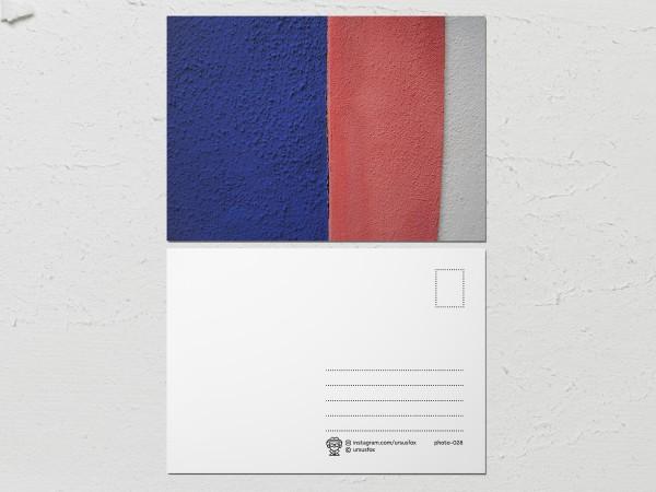 Открытка «Краски на стенах», бело-красно-синяя стена