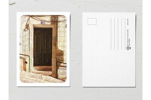 Открытка «Двери мира», коричневая дверь 2
