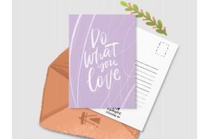Почтовая открытка «Do what you love» фиолетовая