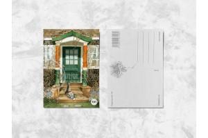 Почтовая открытка «Кот у двери»