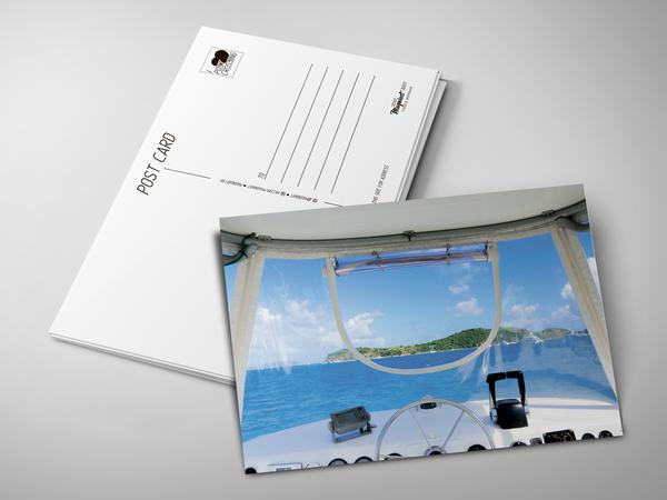 Почтовая открытка «Яхта в океане»