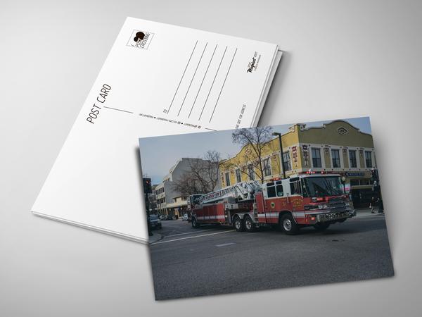 Почтовая открытка «Пожарная машина»