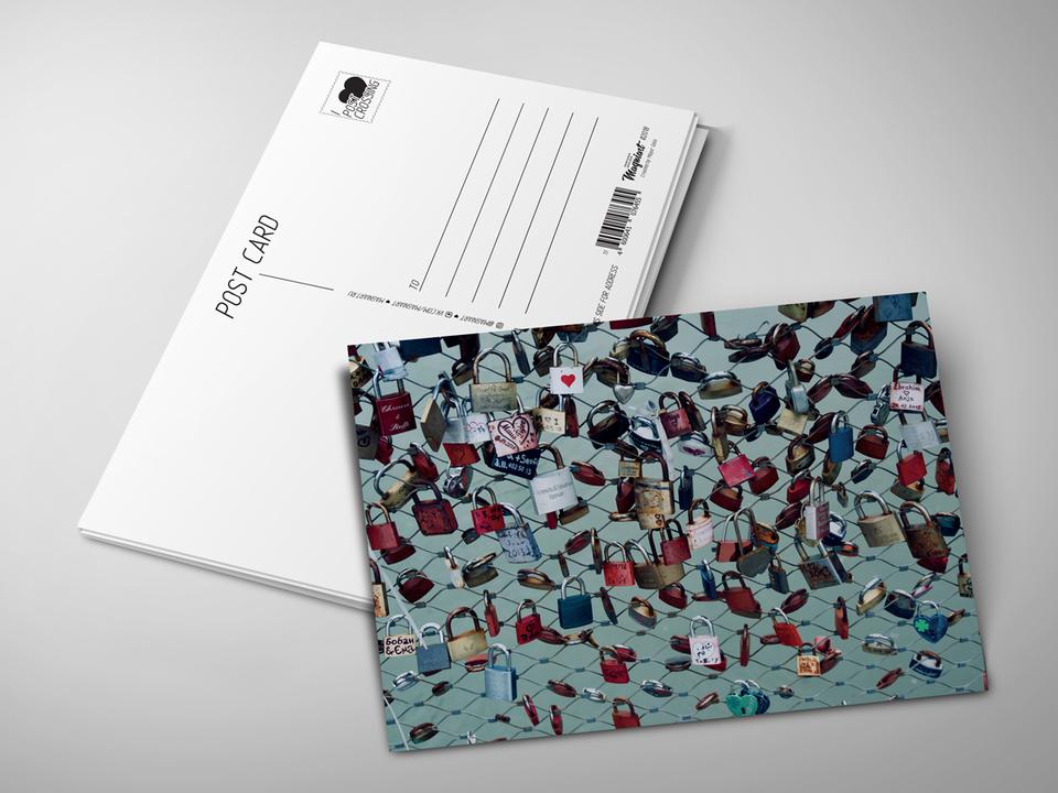 Почтовая открытка из коллекции для посткроссинга «Замочки влюбленных на заборе»