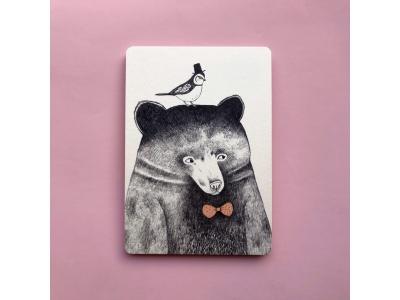Открытка Медведь с птичкой